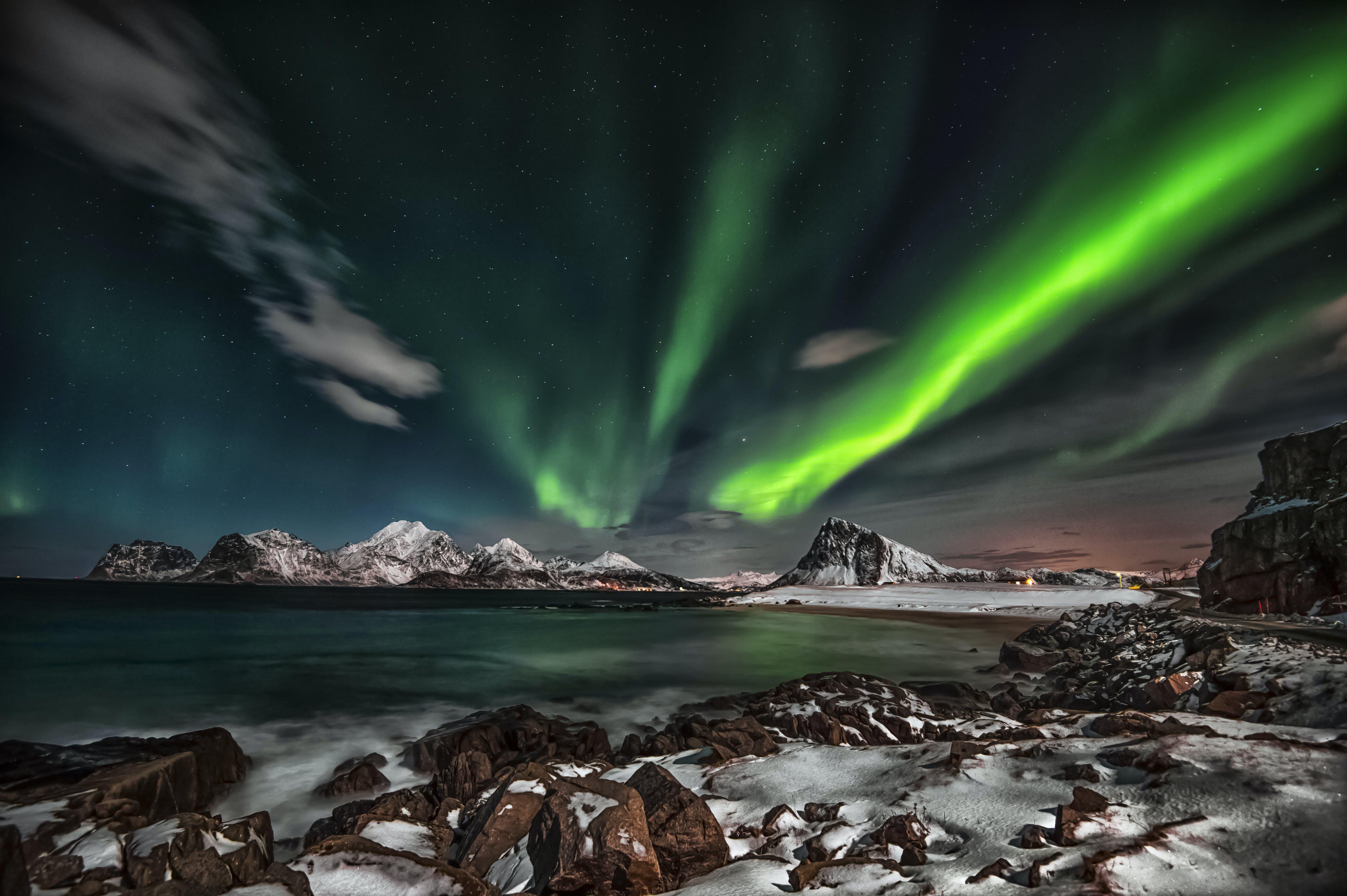 Foto profissional grátis de água, ártico, Aurora boreal, aurora boreal noruega