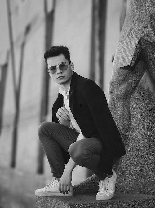 Foto stok gratis fashion, ganteng, gaya, hitam & putih
