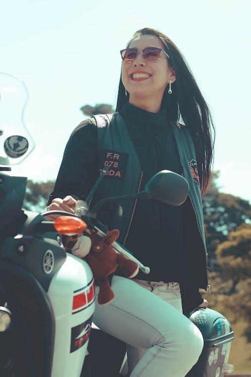 Immagine gratuita di avventura, girlpower, moto, motocicleta