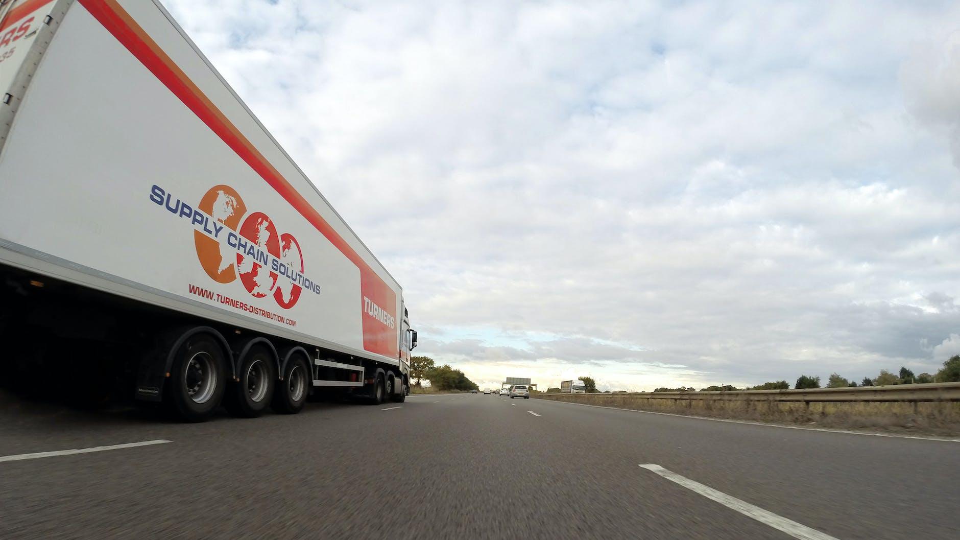 Medidas para facilitar la labor de los transportistas profesionales