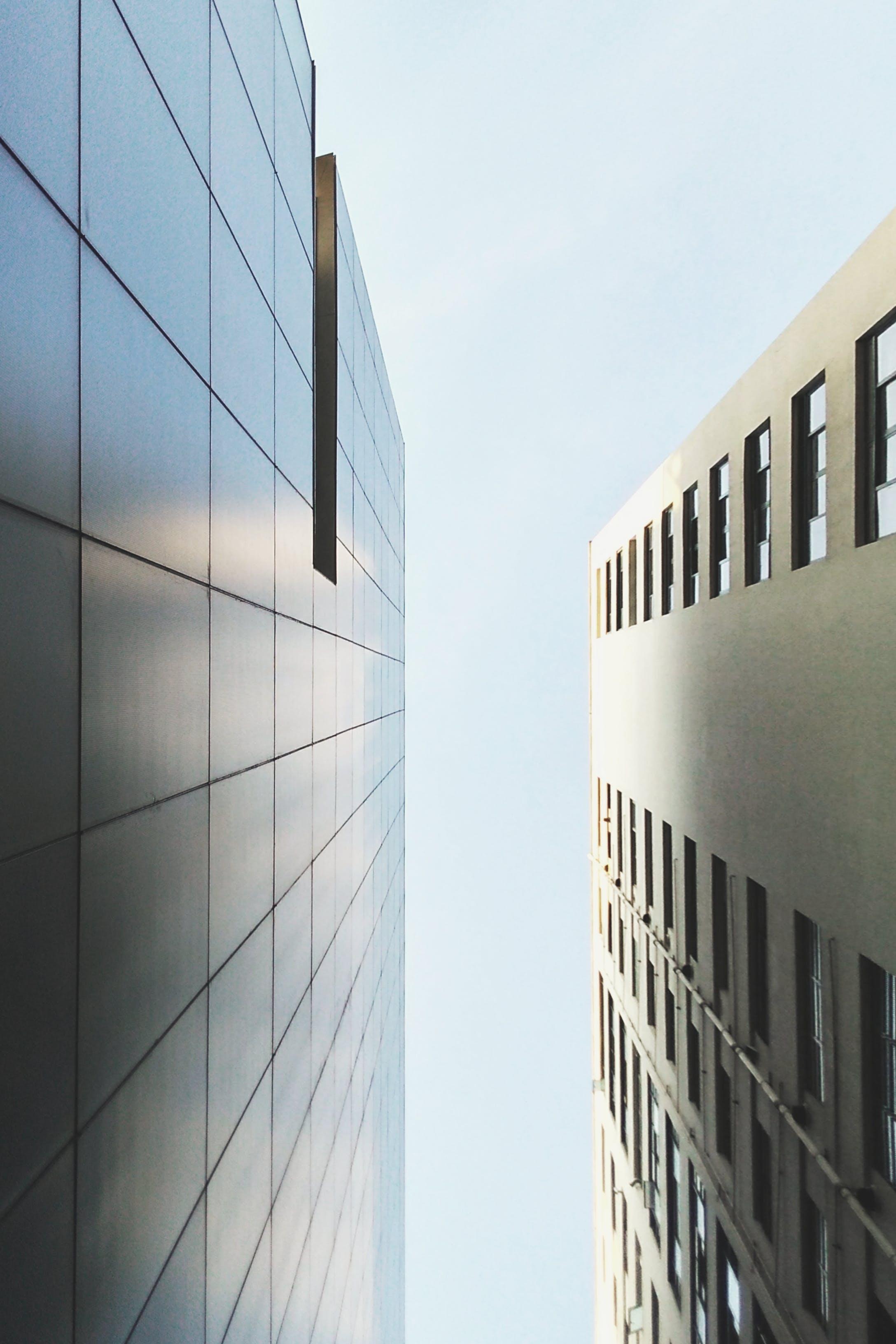Ingyenes stockfotó ablakok, alacsony szögű felvétel, design, ég témában