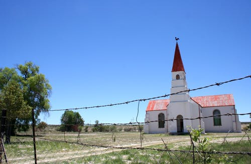 Free stock photo of barbed wire, church, douglas