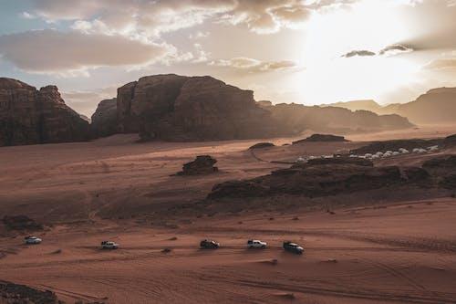 Ilmainen kuvapankkikuva tunnisteilla aavikko, auringonlasku, Jordan, vuori