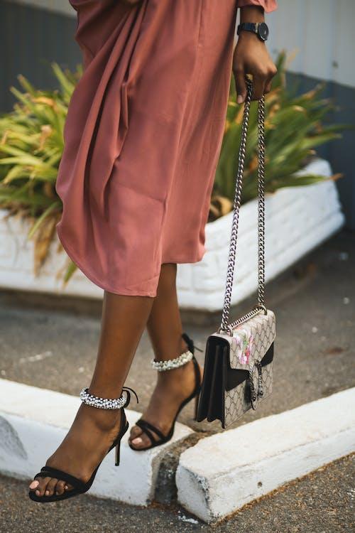 Ingyenes stockfotó afrikai lány, akadály, divat, gyalogló témában
