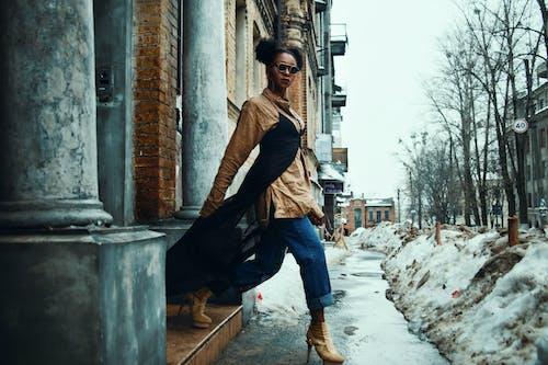 Ingyenes stockfotó afro-amerikai nő, elegáns, gyalogló, nő témában