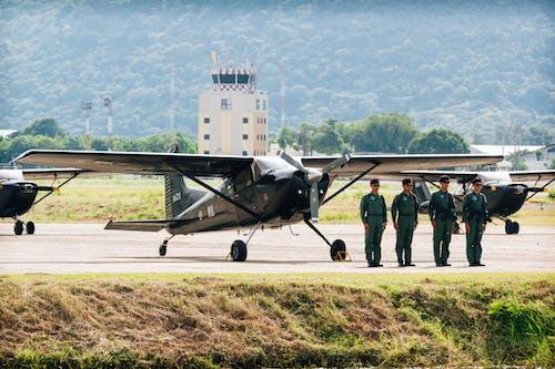 pilot, uçak içeren Ücretsiz stok fotoğraf