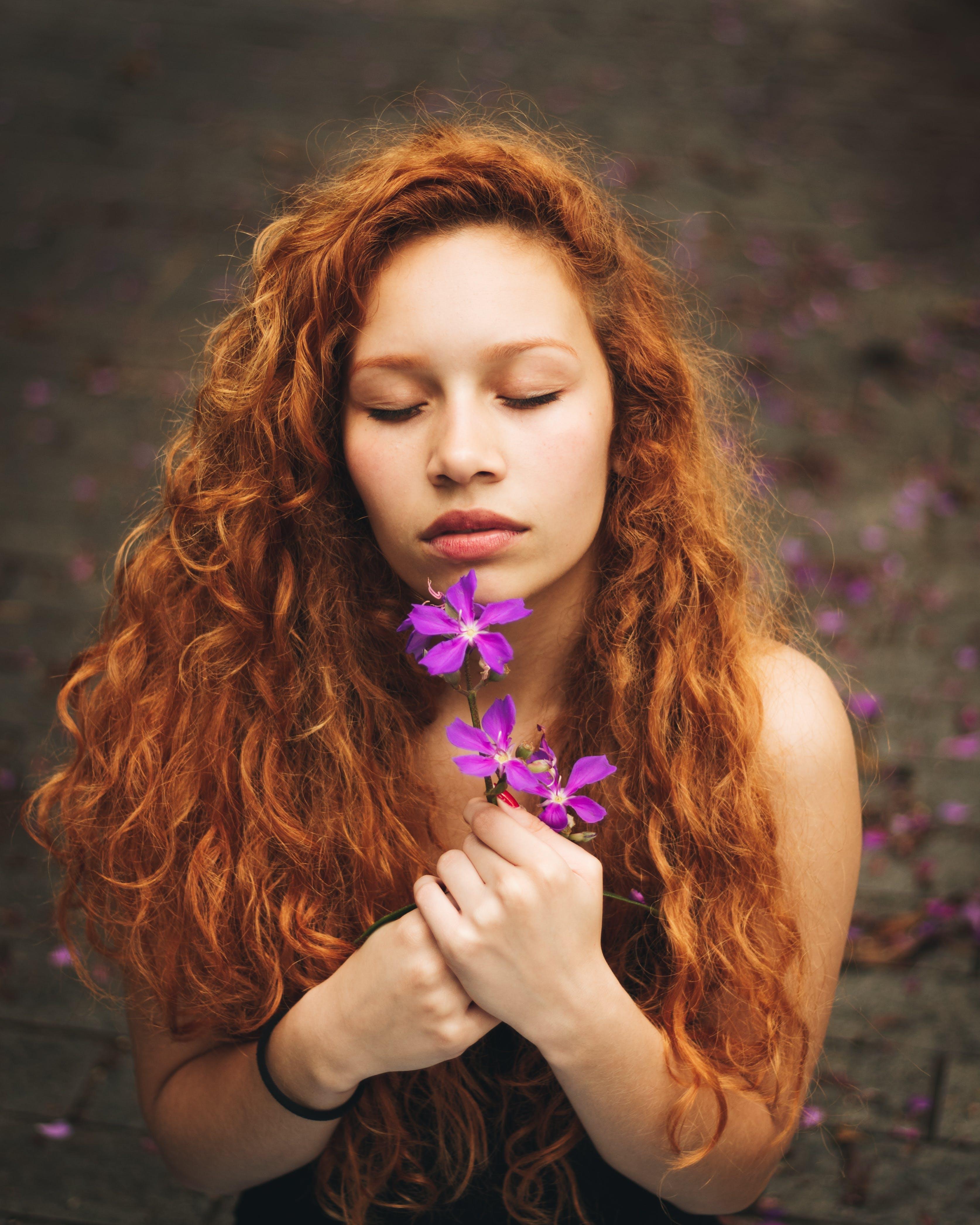Foto d'estoc gratuïta de bonic, bufó, cabell, cabells pèl-roigs