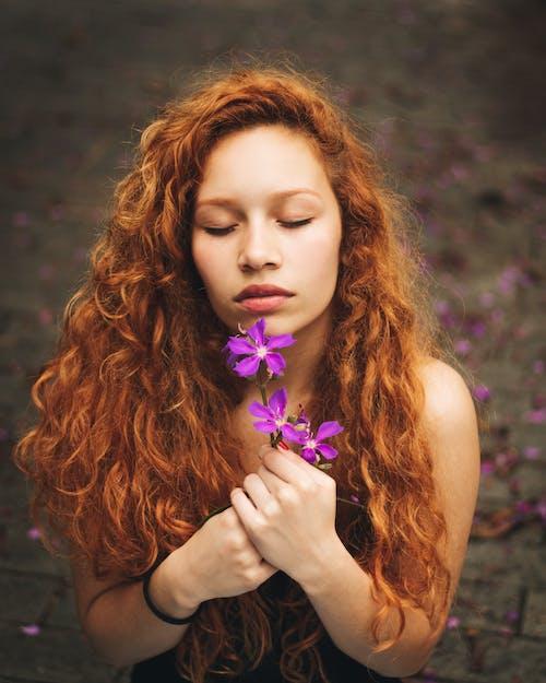 Foto stok gratis bagus, berambut merah, cute, ekspresi muka