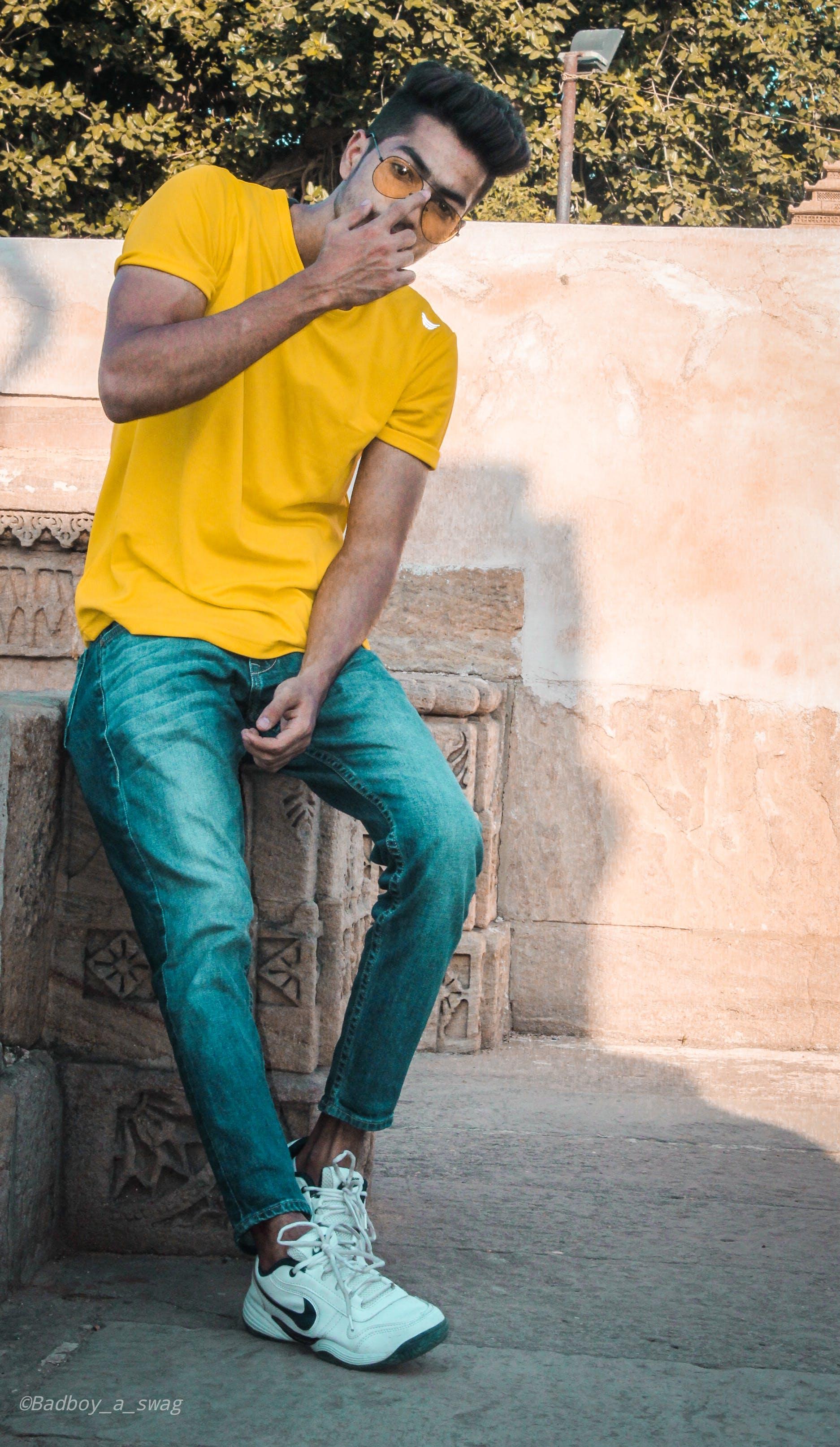 Kostenloses Stock Foto zu blaue jeans, brillen, denim jeans, dressman