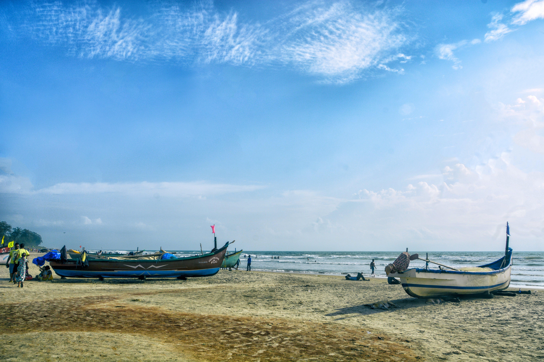 Free stock photo of beach landscape, blue sky, fishing boats, goa