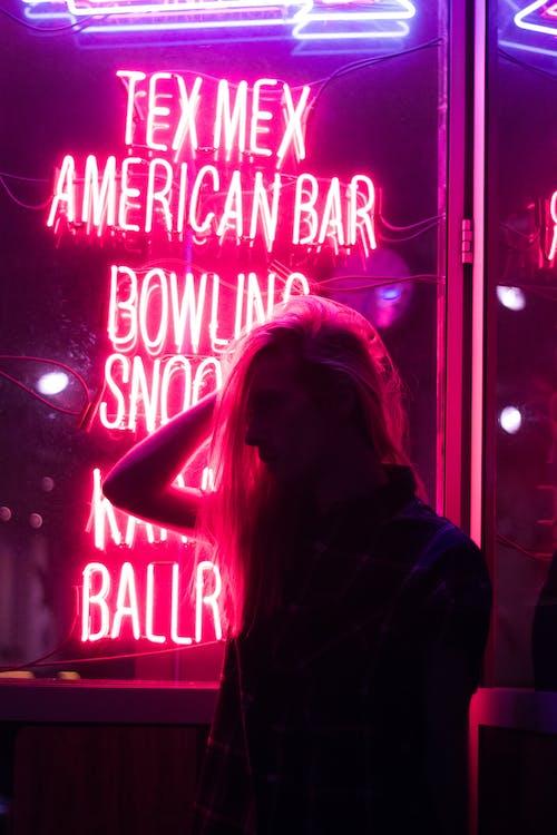 夜店, 夜生活, 女人, 手 的 免費圖庫相片