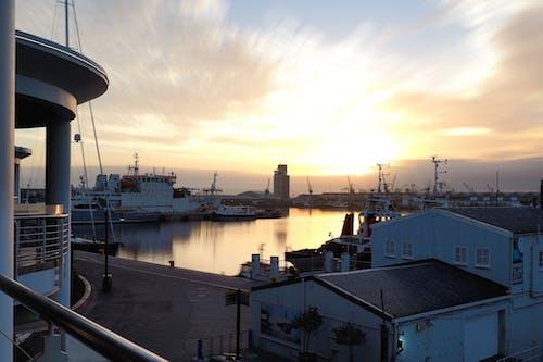 Бесплатное стоковое фото с вечер, вода, гавань, голубой
