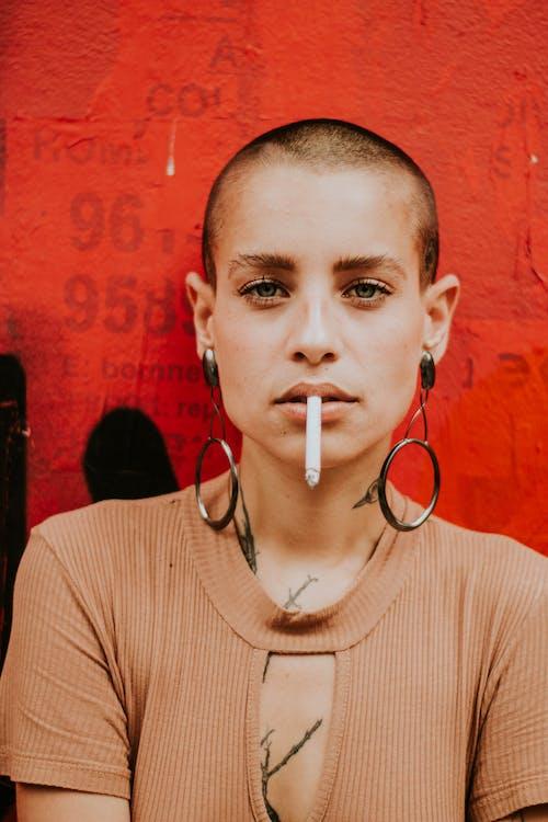 Бесплатное стоковое фото с дым, женщина, красивая, красивая женщина