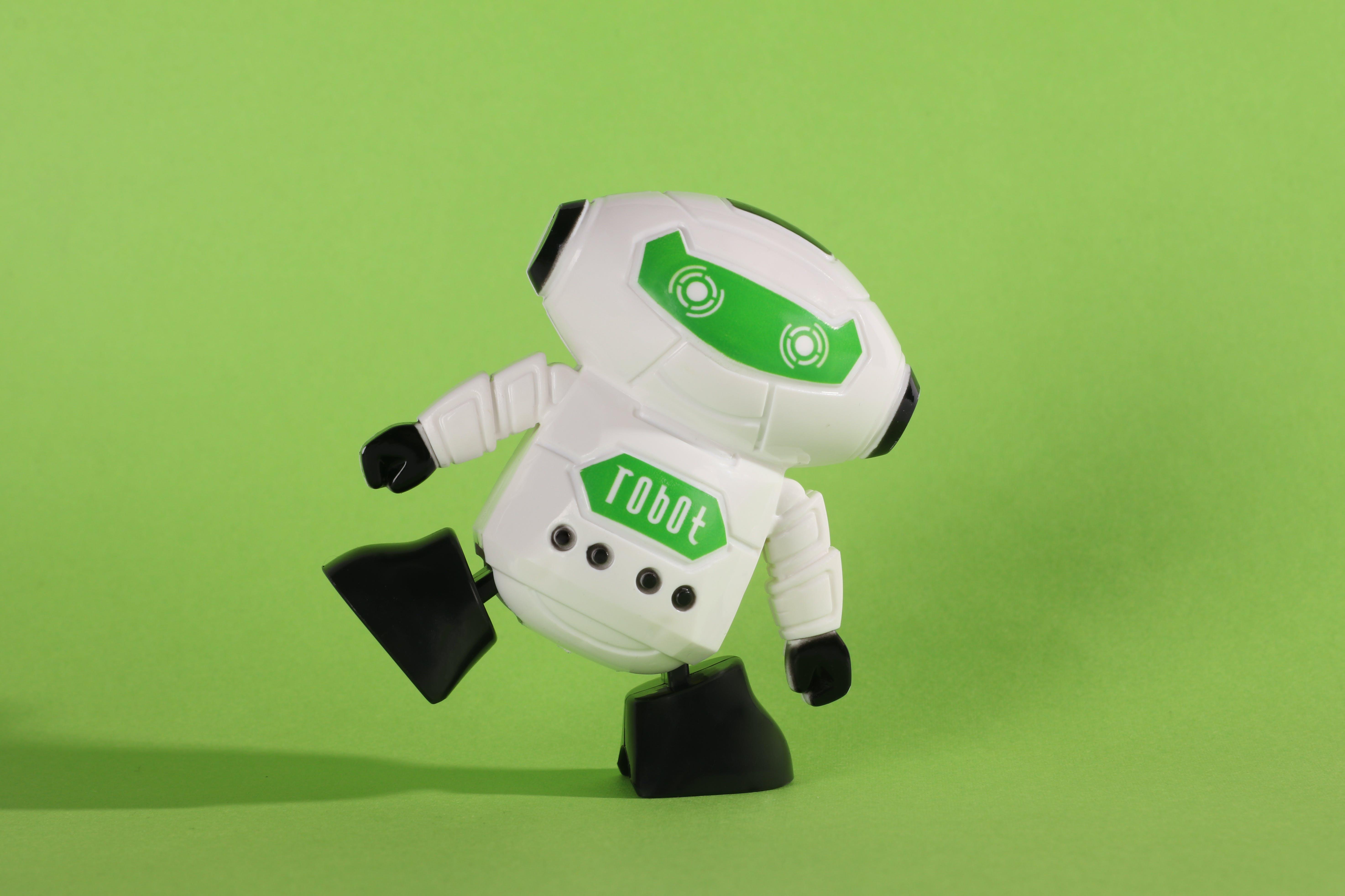 Kostenloses Stock Foto zu grünem hintergrund, roboter