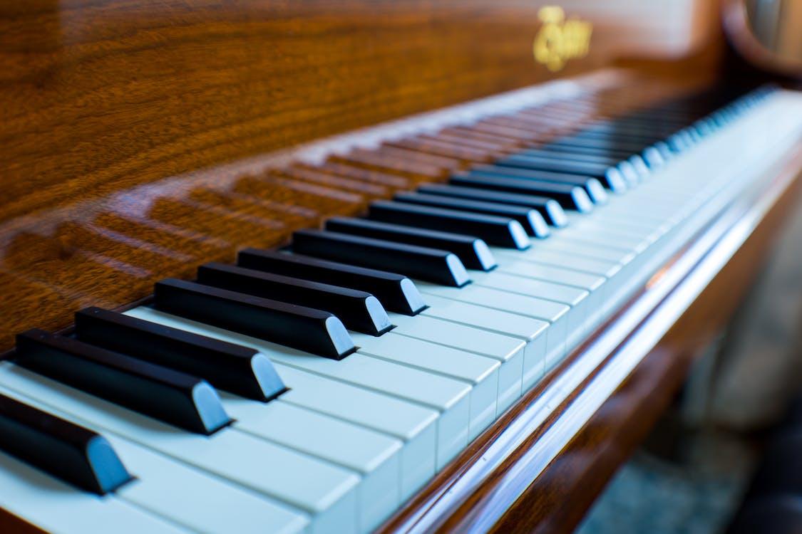 Photos gratuites de piano, touches de piano