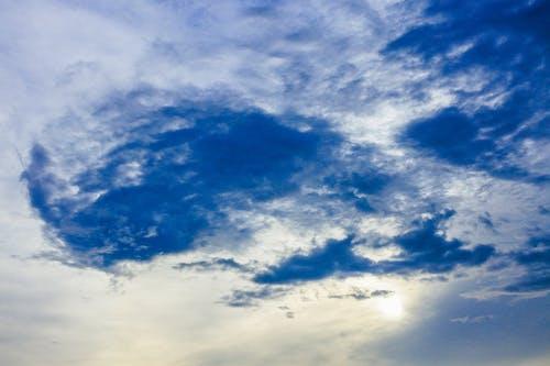 Foto d'estoc gratuïta de alt, bellesa, blanc, blau