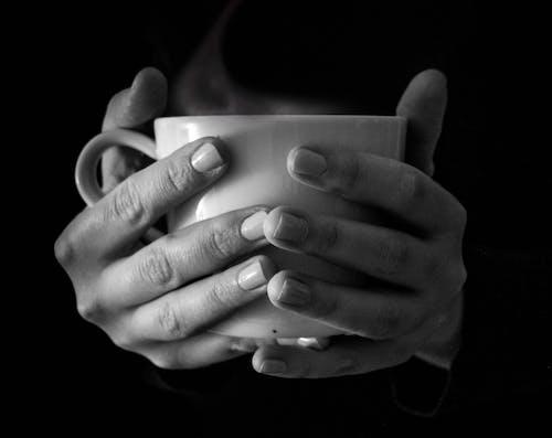 咖啡, 喝, 手, 杯子 的 免費圖庫相片