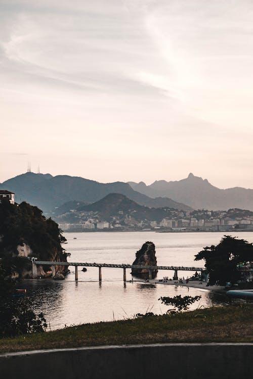 Δωρεάν στοκ φωτογραφιών με rio de janeiro, ακτή, αντανάκλαση, απόγευμα