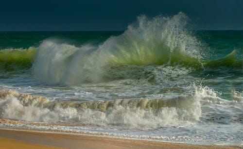 Ingyenes stockfotó hullám, hullámtörés, tengeri tájkép témában