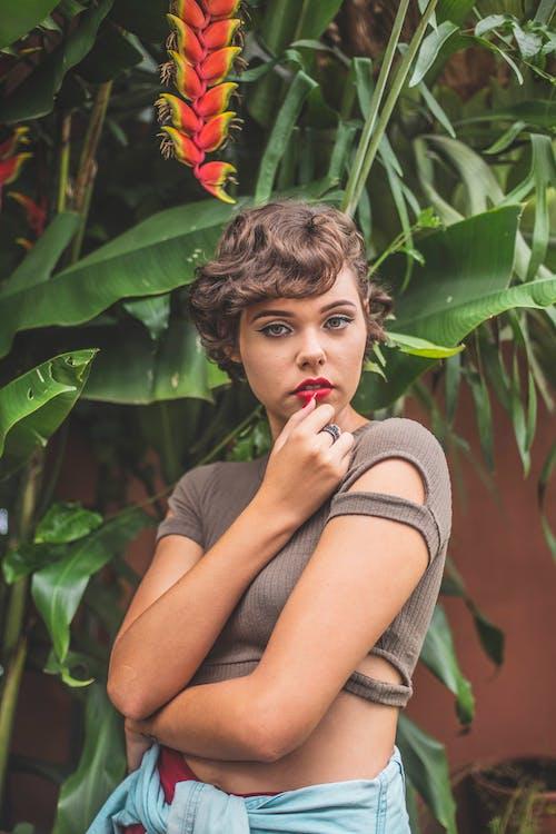 boş zaman, Brezilyalı kadın, doğada güzellik, eğlence içeren Ücretsiz stok fotoğraf