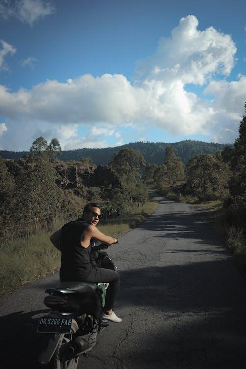 Gratis stockfoto met Bali, berg, brommer, groen