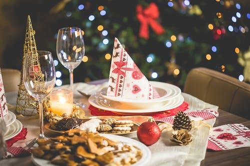 Imagine de stoc gratuită din aranjarea mesei, brad de crăciun, cină, concentrare