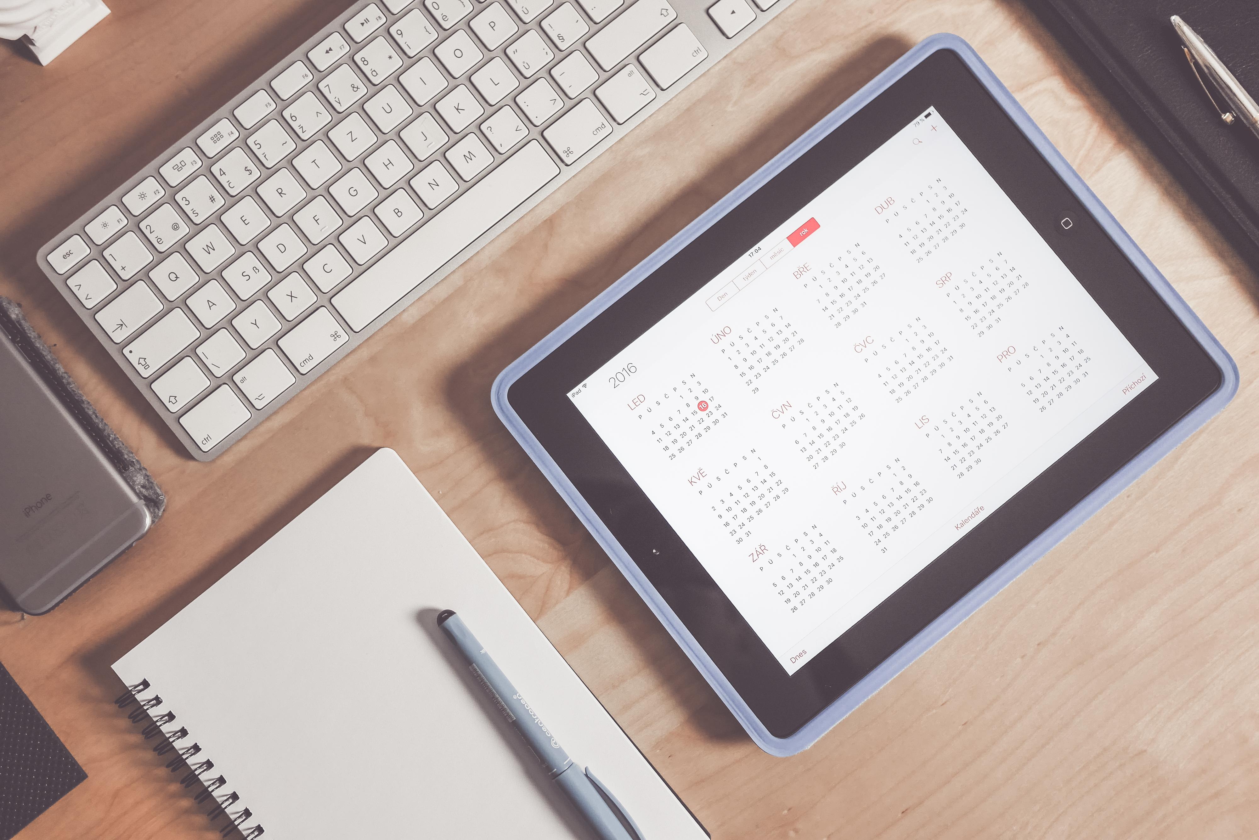 Grey Apple Keyboard and Grey Ipad - Hotcopy