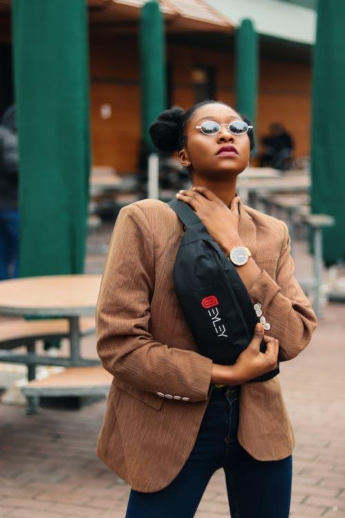 Ingyenes stockfotó #kulterikihivas, barna, fekete lány, hangulat témában
