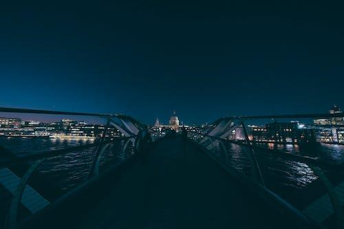 Δωρεάν στοκ φωτογραφιών με millenium bridge, απόγευμα, αρχιτεκτονική, γέφυρα