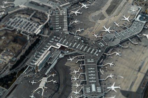 Gratis arkivbilde med fantastisk luftfotografi, flyfoto, flyfotografering, flyplass