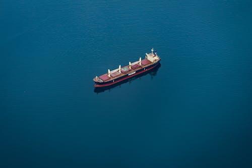 Gratis arkivbilde med båt, blå, flyfotografering, fra luften