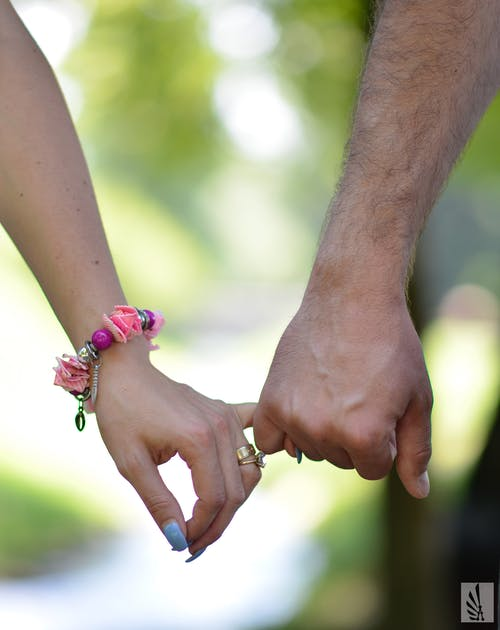 Free stock photo of blue nails, bracelet, close-up