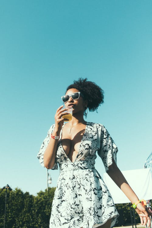 Photos gratuites de boire, boisson, femme, femme noire