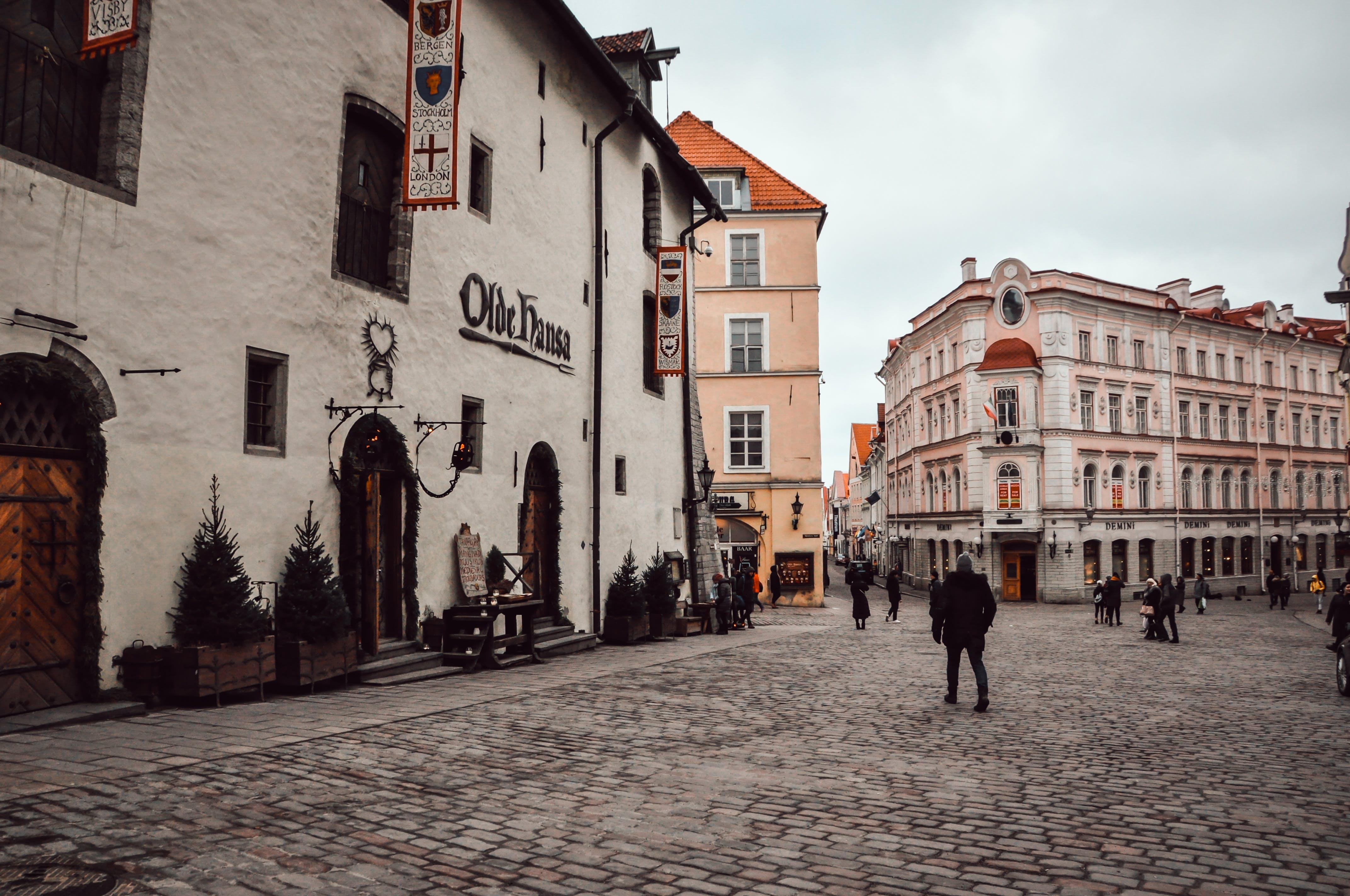 Gratis arkivbilde med anlegg, ballong, bygninger, gamleby