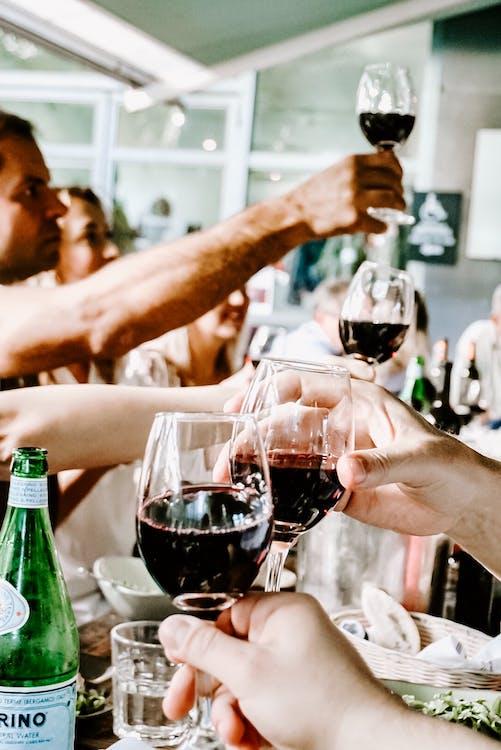 adulti, alcol, amici