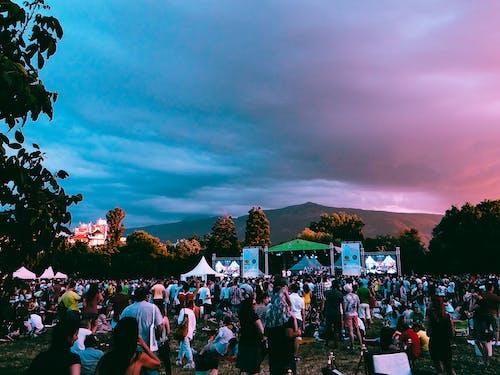 Foto profissional grátis de ar livre, Bulgária, cena, fest de jazz