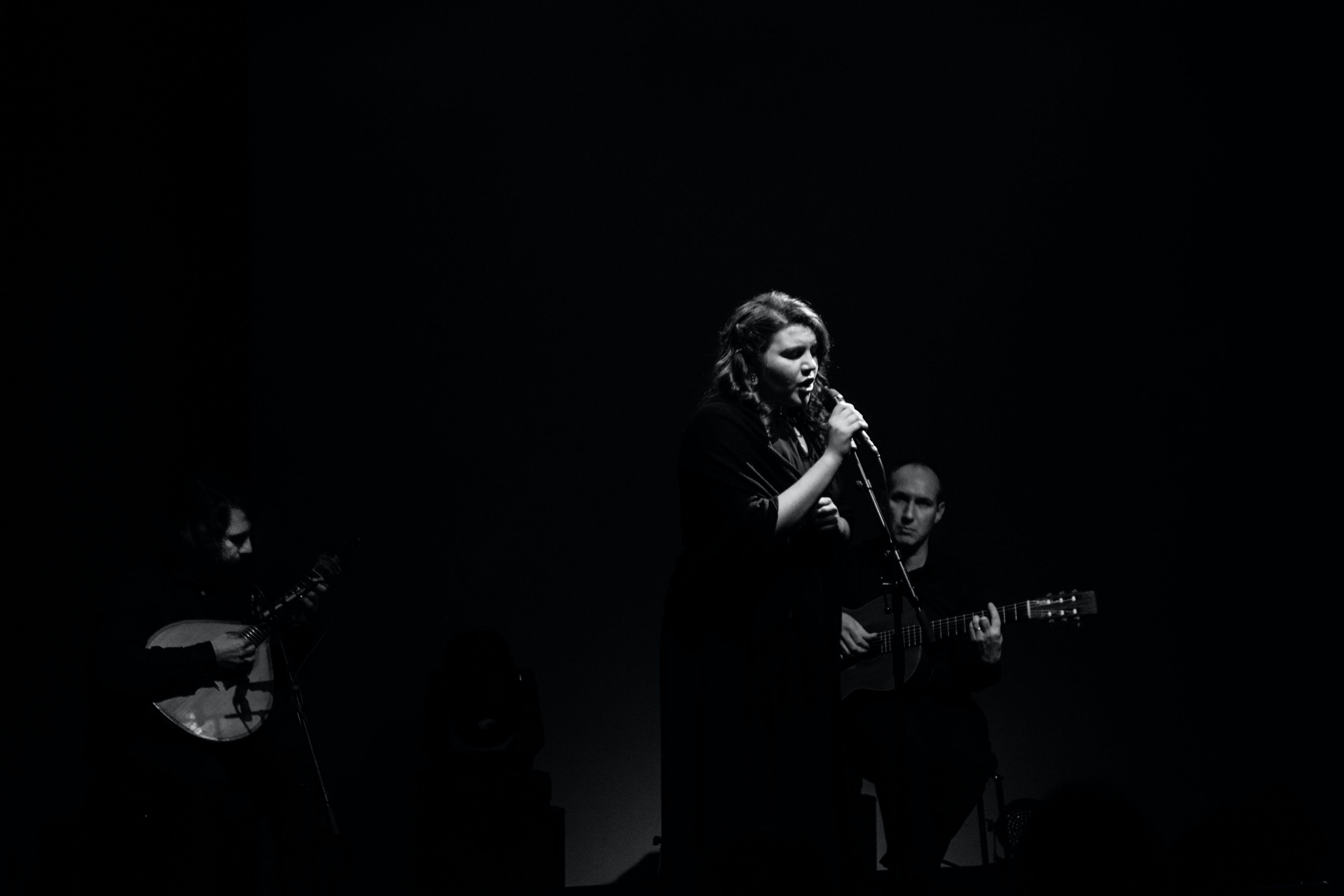 Foto stok gratis artis, fado, guitarra portuguesa, konser