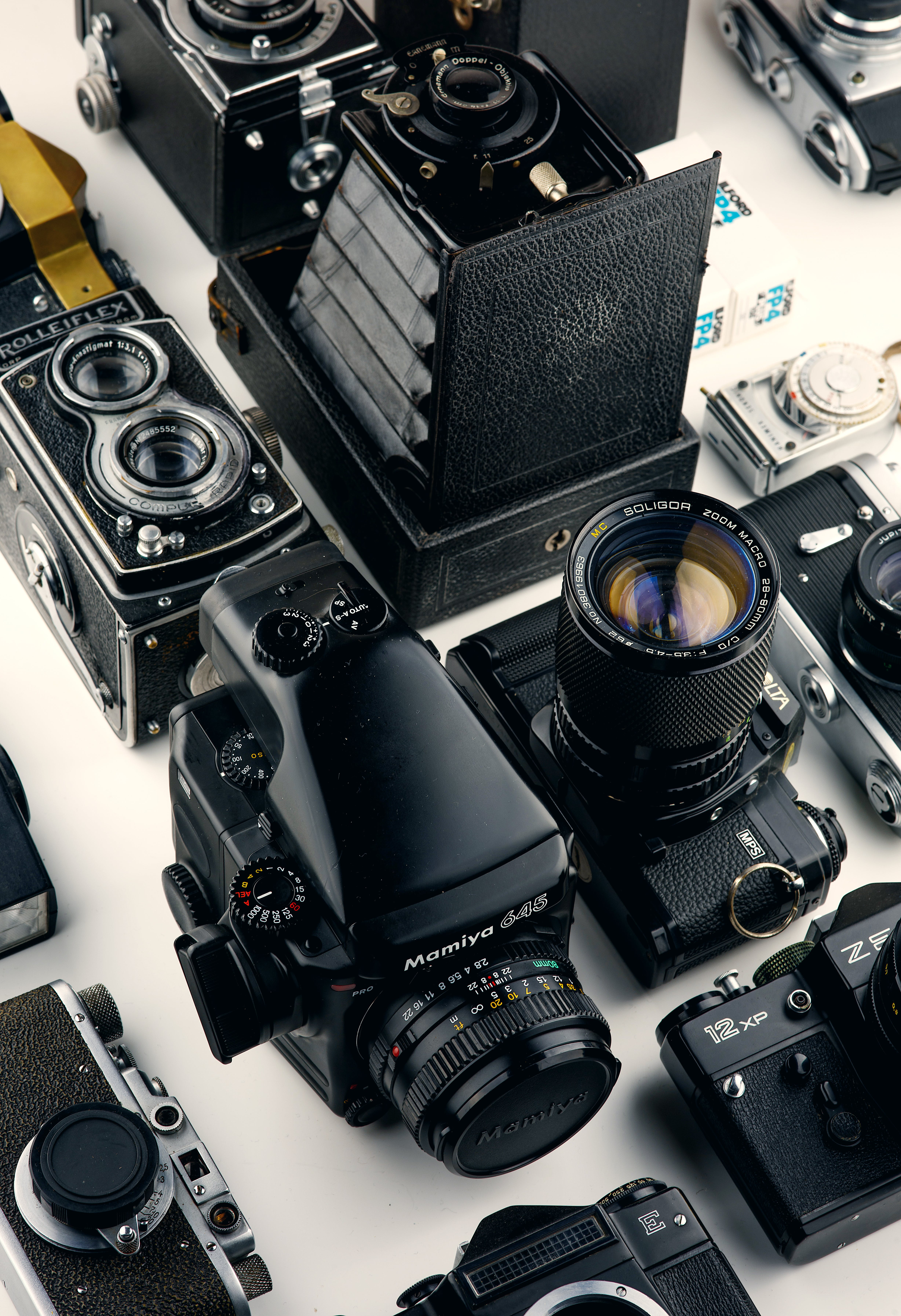 Gratis stockfoto met analoog, apparaat, camera's, cameralens