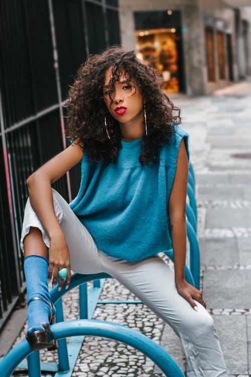 Základová fotografie zdarma na téma černoška, dámská móda, dívání