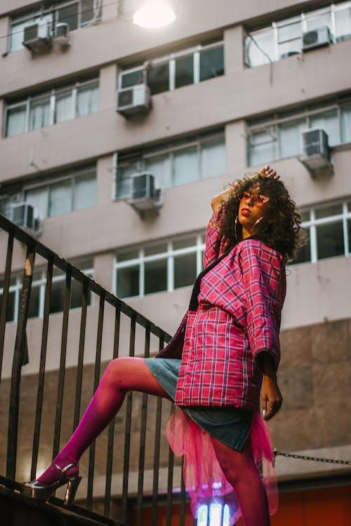 Gratis stockfoto met aantrekkelijk mooi, fashion, fotomodel, gebouw