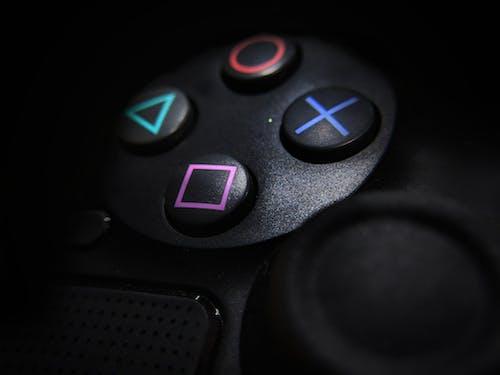 Fotobanka sbezplatnými fotkami na tému dosková hra, doskové hry, hráč (videohier), hrací ovládač