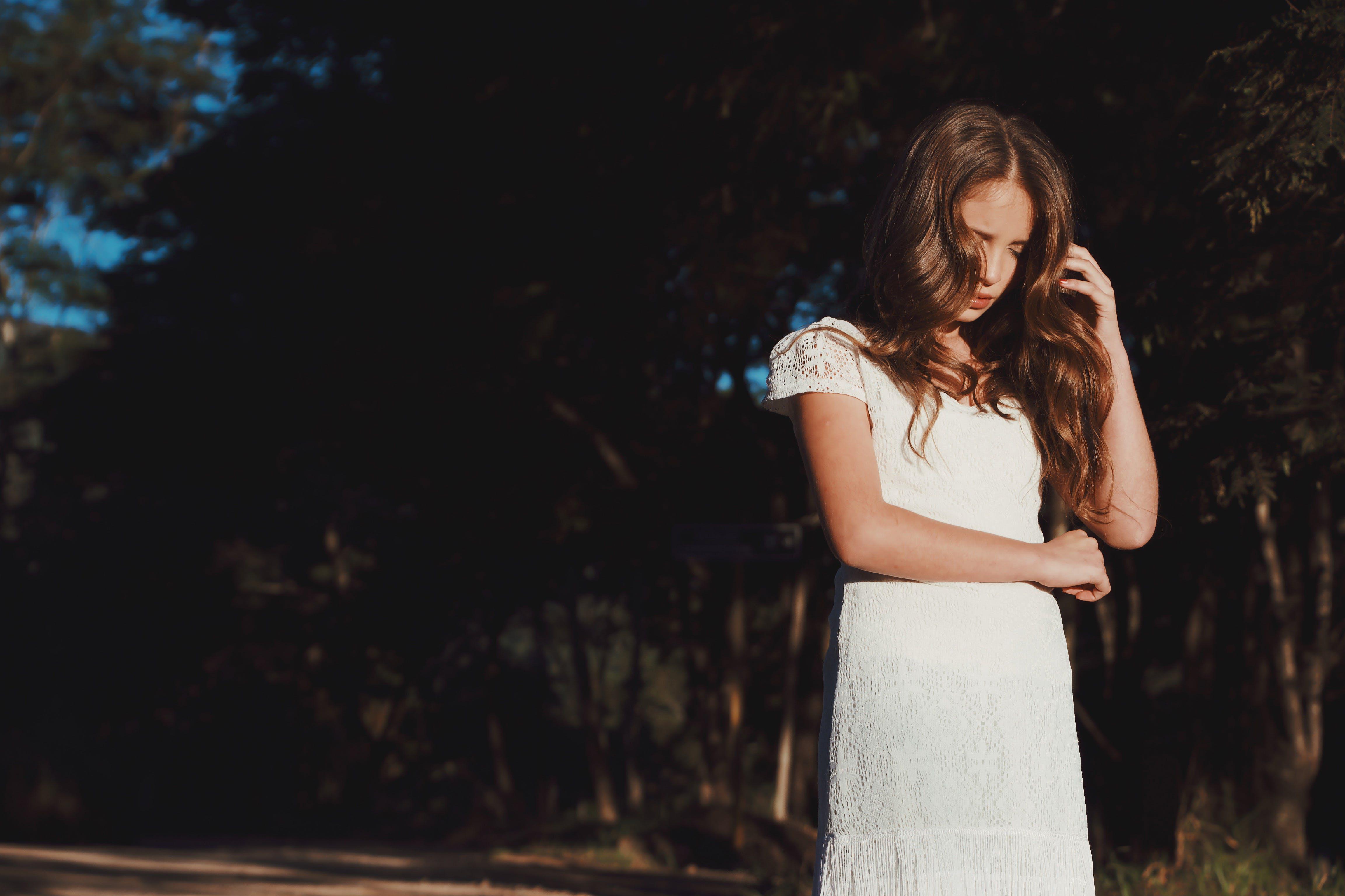 Δωρεάν στοκ φωτογραφιών με casual, άνθρωπος, γυναίκα, δέντρα