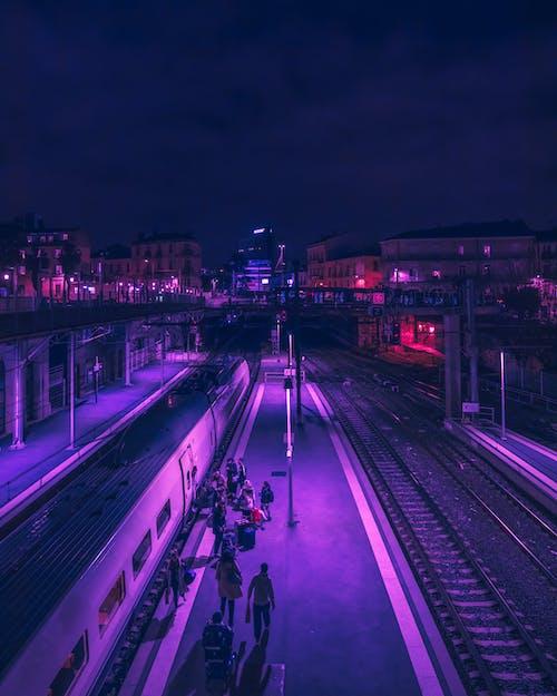 Бесплатное стоковое фото с драма, железная дорога, железнодорожная колея, железнодорожная платформа
