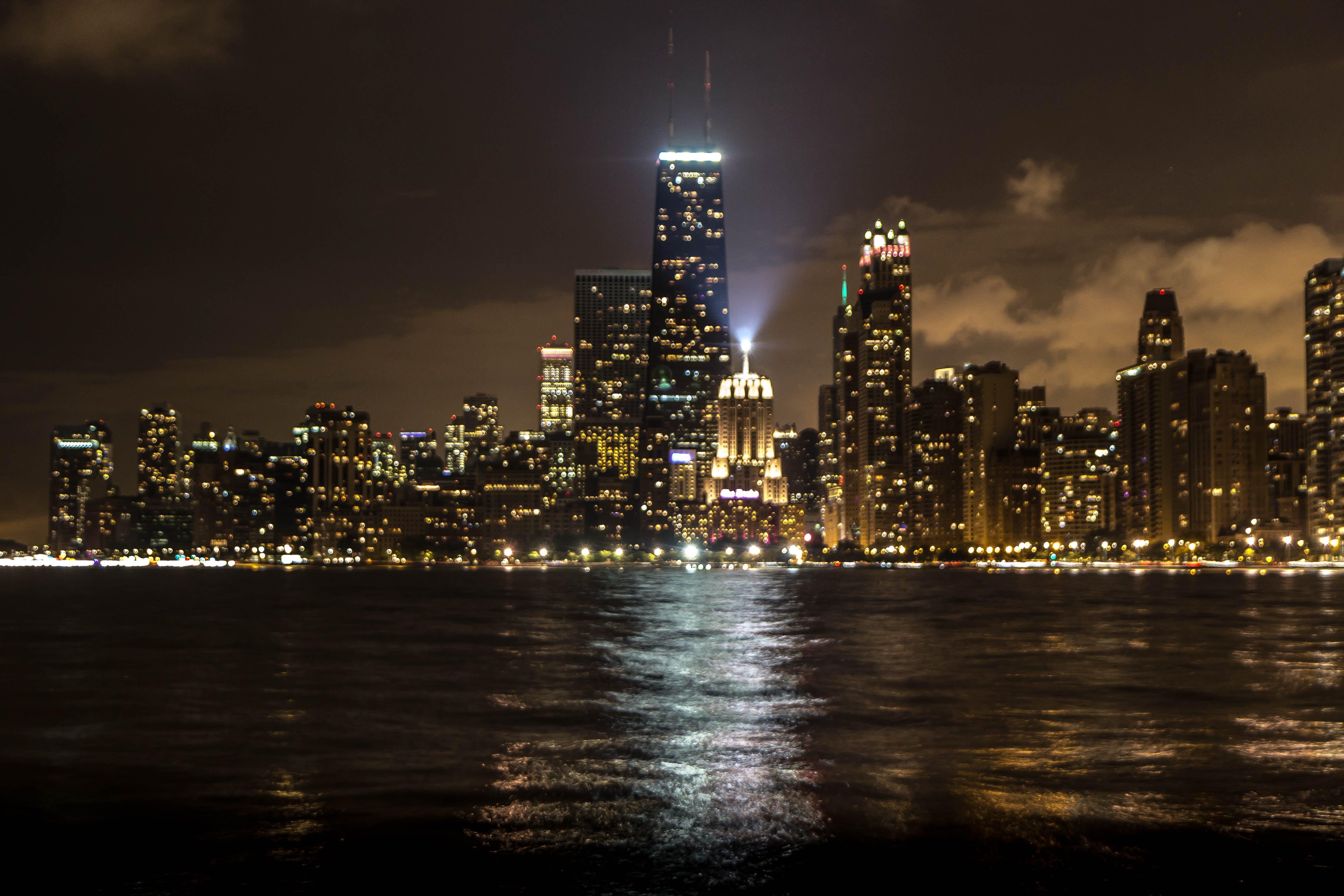 Kostenloses Stock Foto zu stadt, nacht, lichter der stadt, leuchtfeuer