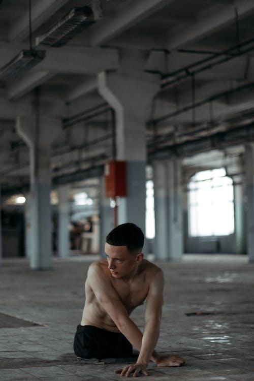 aikuinen, alaston, asento