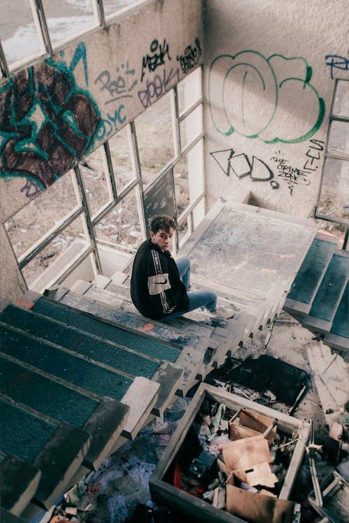 Безкоштовне стокове фото на тему «брудний, Будівля, графіті, зйомка з висоти»