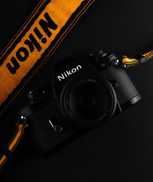 Fotos de stock gratuitas de 35 mm, cámara, clave baja, Nikon