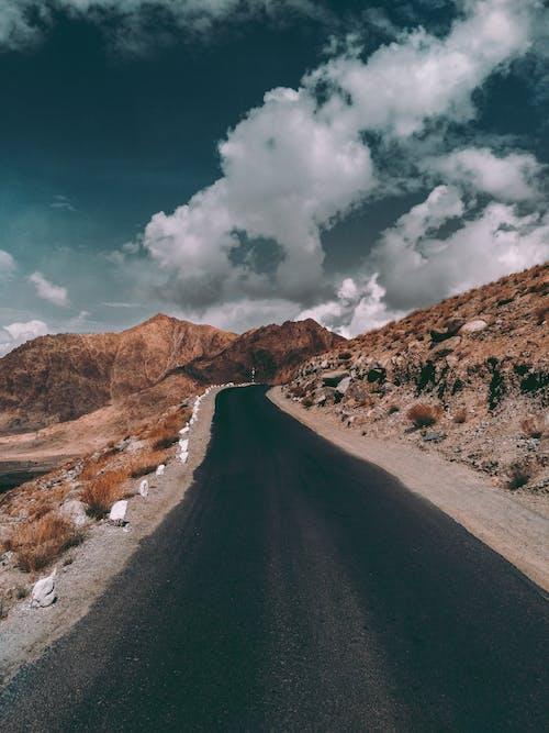 Imagine de stoc gratuită din curbate, munți albaștri