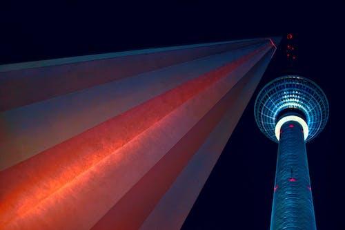 Foto d'estoc gratuïta de alt, arquitectura, cel nocturn, centre de la ciutat