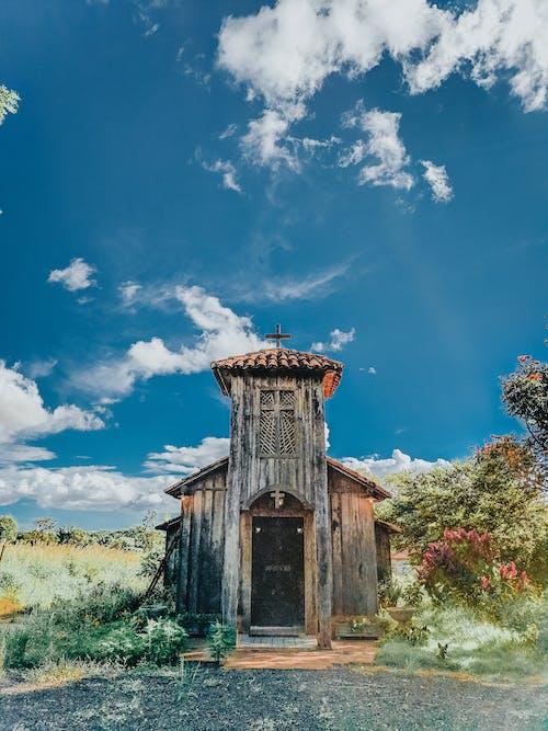 Immagine gratuita di abbandonato, antico, chiesa, in legno